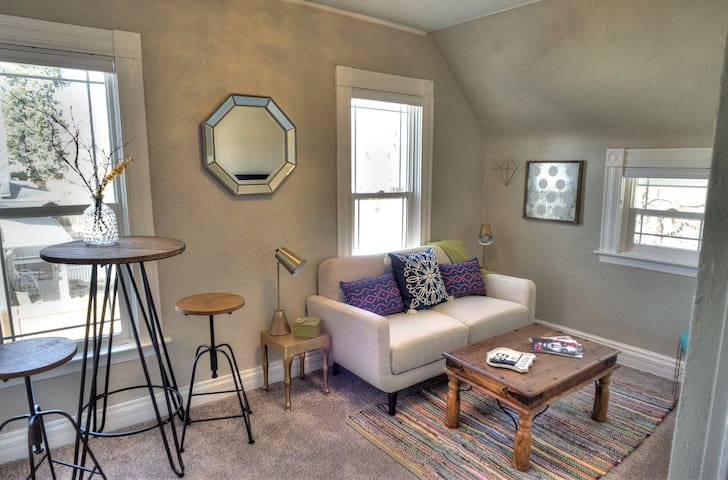 Downtown Boutique Aspen Suite - Colorado Springs - Apartamento