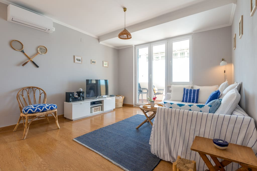 The spacious living room has access to the balcony, free wi-fi, a flat screen TV with satellite channels and air-condition