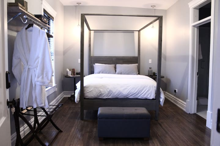 Private Room/Bath in Downtown Plainfield (Goodson) - Plainfield - Boutique-hotelli