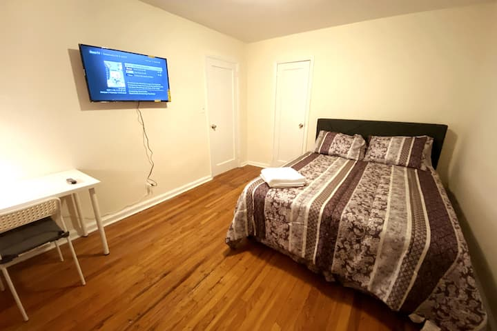 Supreme Cozy Private bedroom 5 min away from LGA