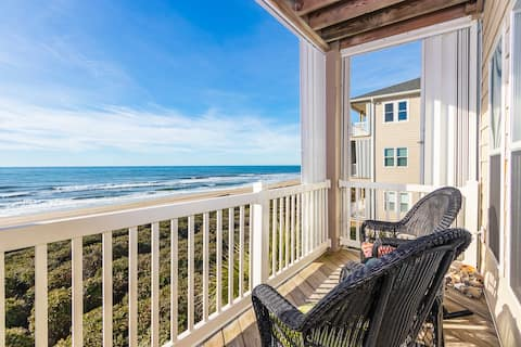 Rolling Waves: Oceanfront Condo of Your Daydreams