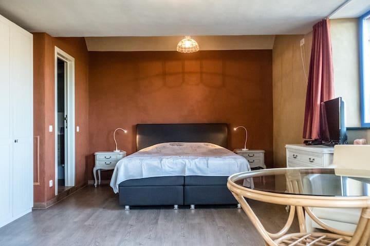 eco guesthouse 'Aan de Jordaan' familyroom