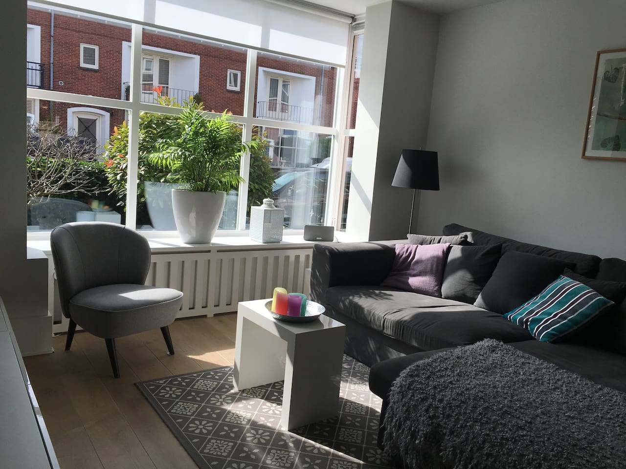 the cosy living room with tv en netflix