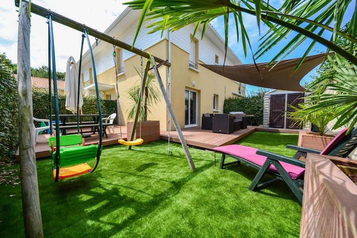 Agréable maison 4 * avec piscine à 700m des plages
