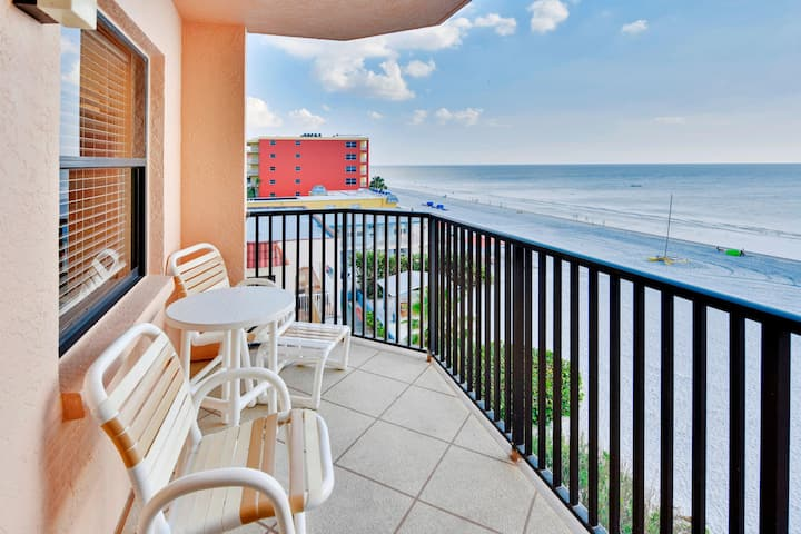 Emerald Isle 401 Beautiful Updates! Beach Front/Amazing view from Balcony!