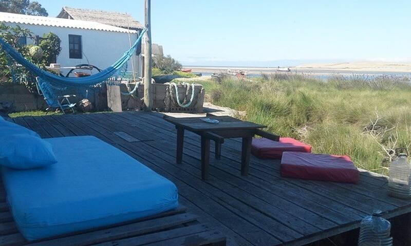 El Salado, al lado del mar, arroyo  y dunas