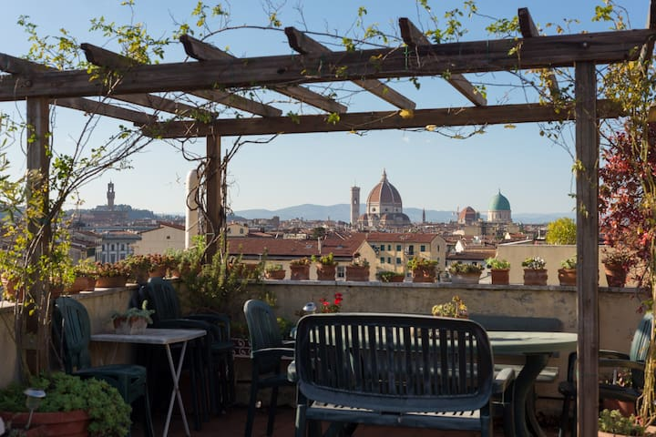 Room on the top floor - Florence - Apartemen