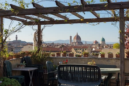 Single room on the Top floor - Firenze