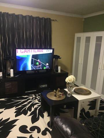 a big cozy room in salfty area