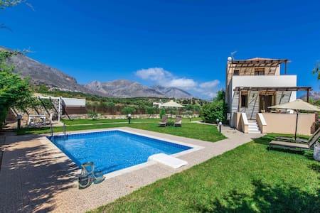 Gasparakis villas Erato Two Bedroom Villa - Lefkogeia