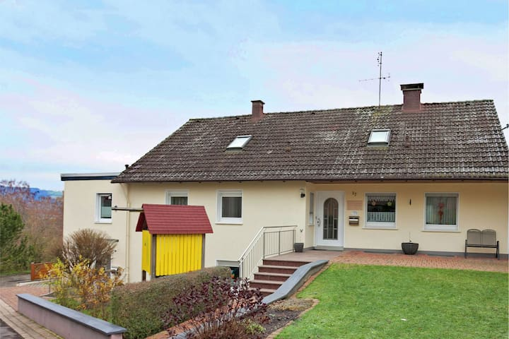 Comfortable holiday home in the Weser Uplands with terrace and use of the garden