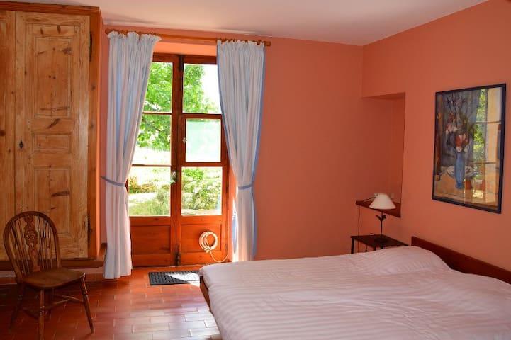 Chambre Rousse - Bonnieux - Bed & Breakfast