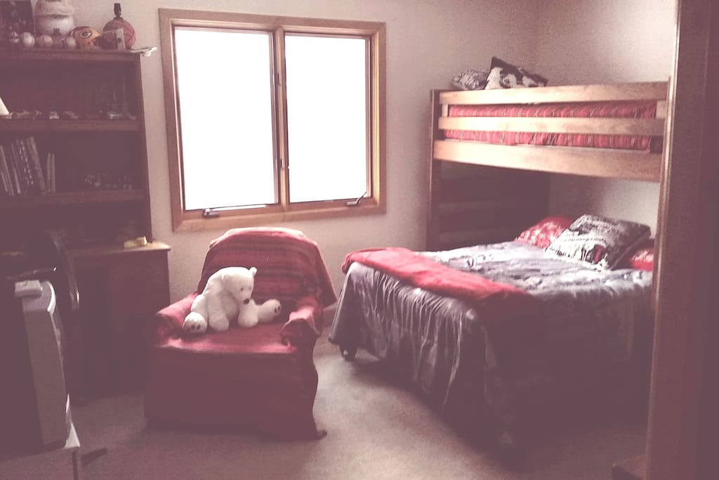 Bedroom Sleeps 3 With Private Bath In Bath Oh Apartments For Rent In Akron Ohio United States