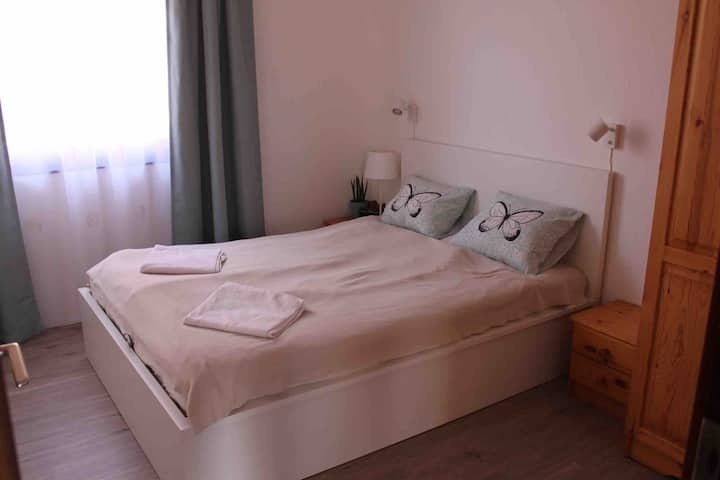 Two double room with balcony n garden; green,quiet