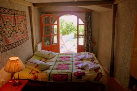 Single Cave Room With Happy Memories - Tekelli Mahallesi - Lejlighed
