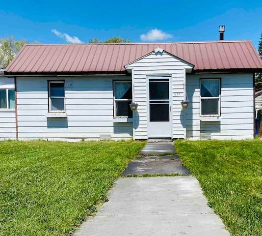 Cozy Family Home - 70 mi. from Yellowstone Gate