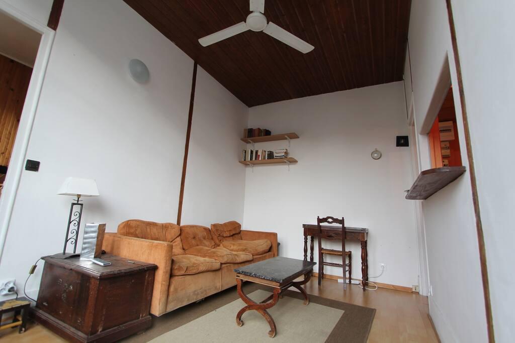 Si il fait chaud, le ventilateur est très efficace. Fan very usefull when it's get warm.