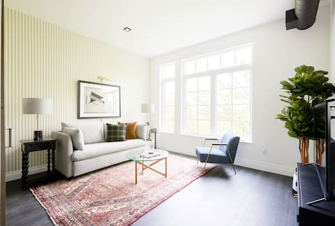 Sonder | The Lamont | Inviting 1BR + Rooftop