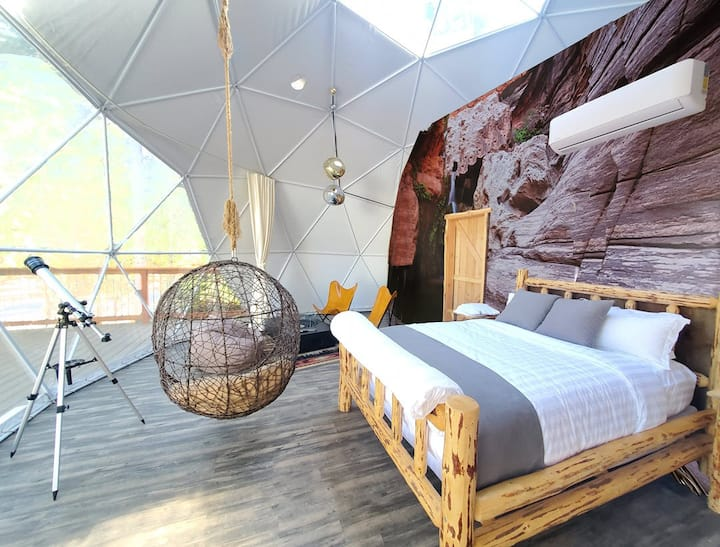 "2P ""Grand Canyon"" Luxury Sky Dome"