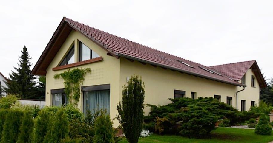 """FeWo""""Sulzer Siedlung"""",87m²,WLAN,Parkplatz - Erfurt"""