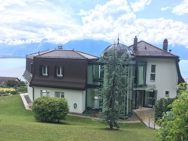 Amazing villa on top of Montreux