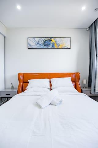 luxury comfy 3 bed close cronulla beach & beach