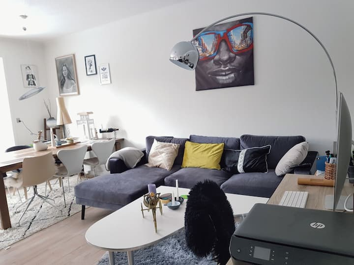 Nice room near train station quick access to CPH