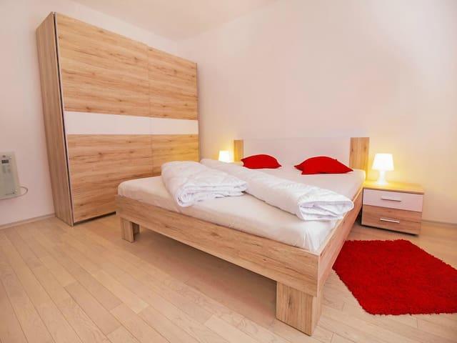 Apartment Boky-Beauty in Red - Zadar - Departamento