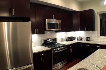 Luxury Townhouse in Prime Location (Safe & Quiet) - Filadelfia