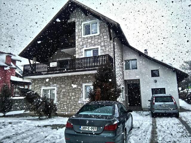 Guest house Vila Mina