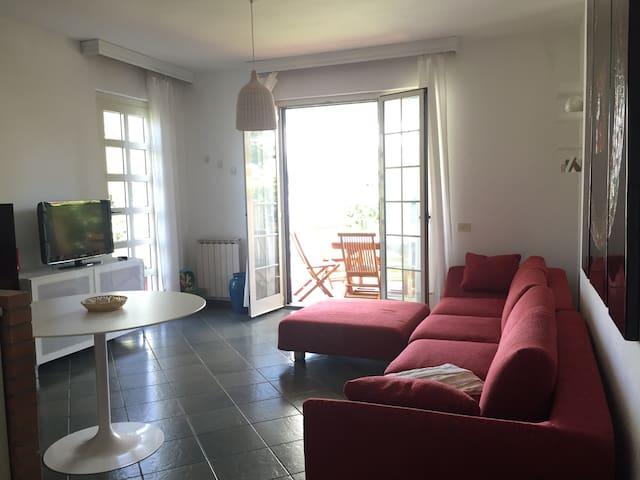 Villa Mia a Marina di Pietrasanta, Tonfano