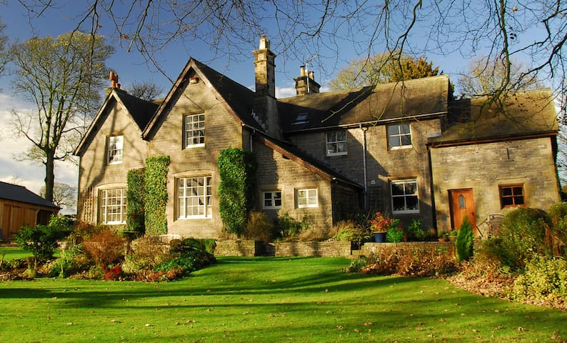 Beautiful Country House Vicarage in National Park.