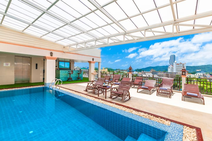 Patong Double Room@ Rooftop Swimming Pool