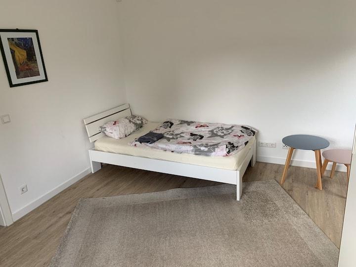 Schönes Zimmer in einer Wohnung