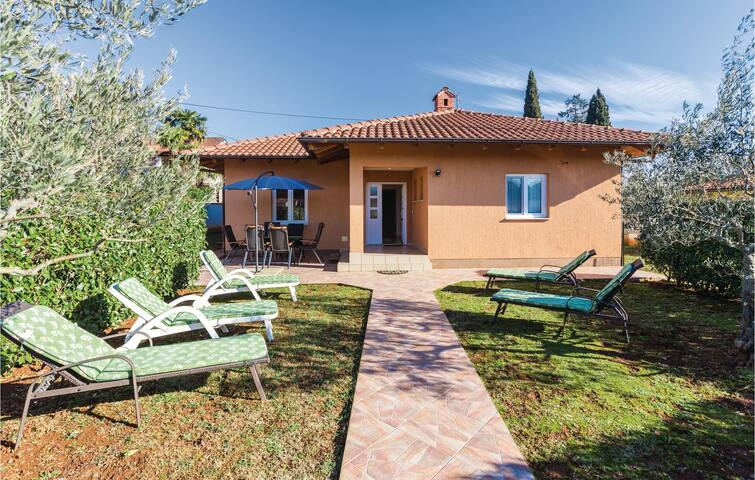 Holiday cottage with 3 bedrooms on 115m² in Savudrija
