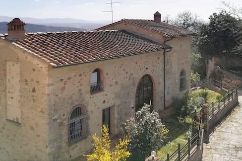 Casa de campo San Martino con gran terraza en la azotea