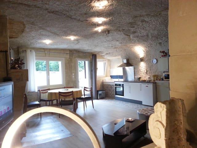 La Chatterie, Authentical cave-dwelling cottage
