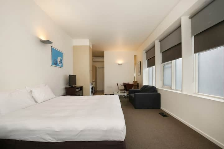 North Melb. Superior Apartment