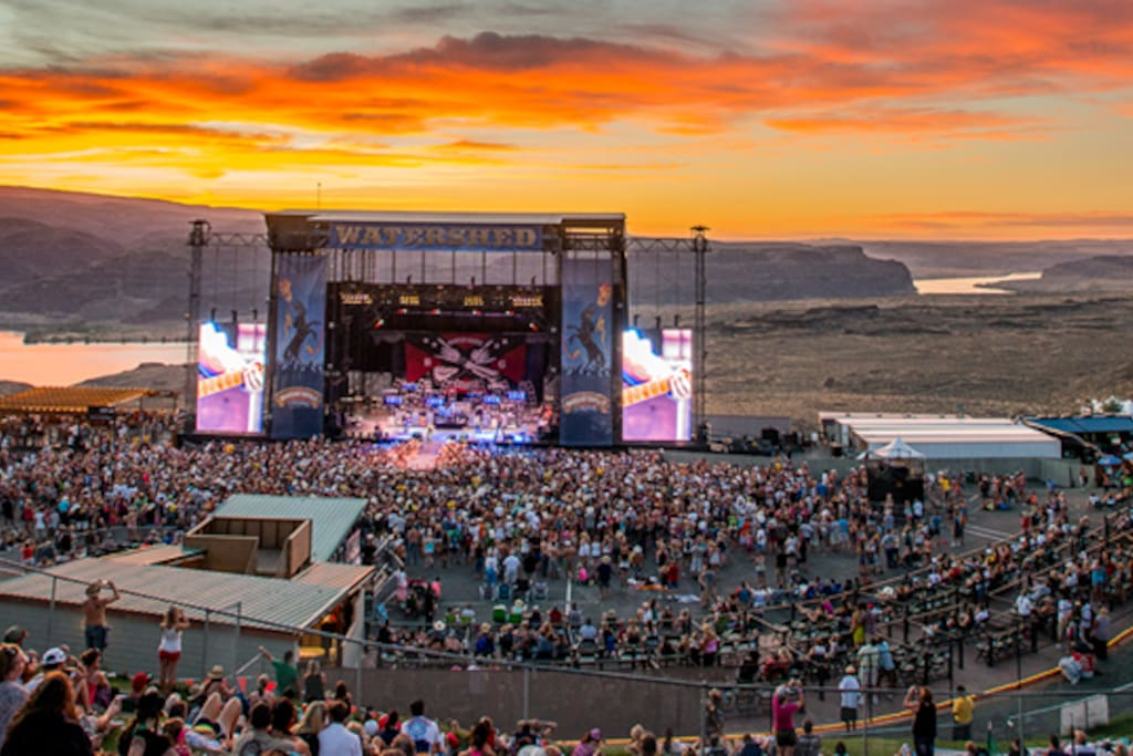 Minutes from the Gorge.  Enjoy the concert then relax in unparalleled luxury and comfort.