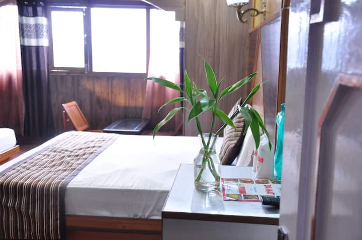 Ideal Bed and Breakfast Near Shimla Mall Road