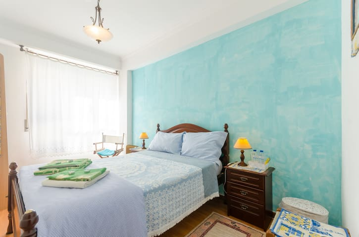 Double bed near Lisb airport(Blue) - Loures - อพาร์ทเมนท์