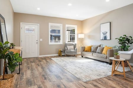 Beautiful, Remodeled Home - Downtown Fort Wayne