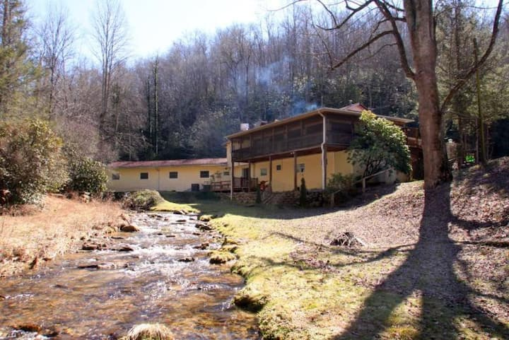 RiverBend Lodge