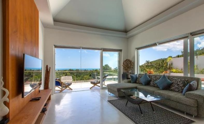 "Villa Don-song ""spacious 4BR seaview"""