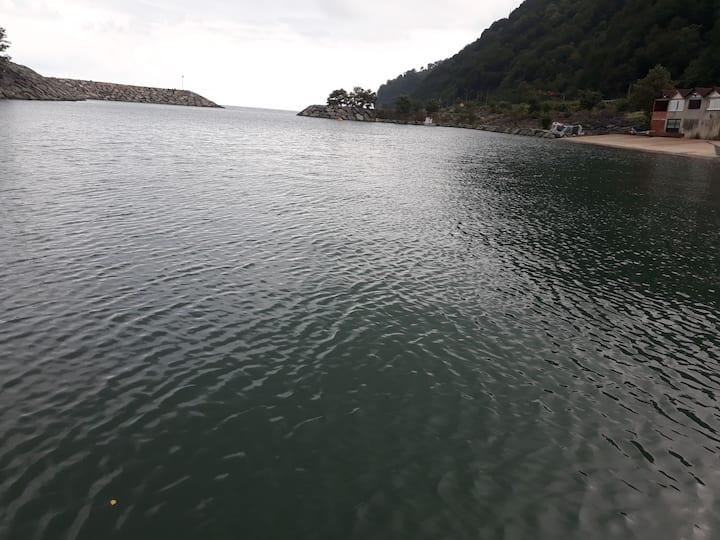 Karadeniz sahilinde denize sıfır mekan
