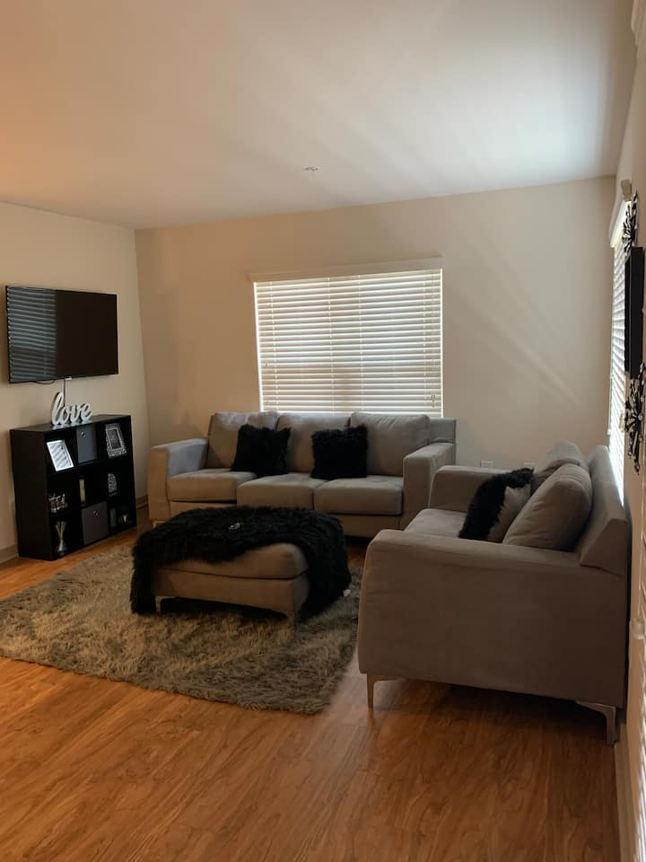 Modern 1bdrm apartment convenient to attractions