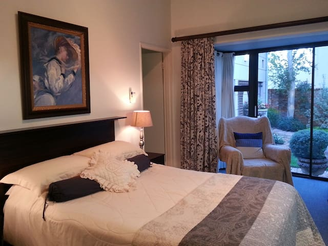 Primavera Guesthouse Blue Room
