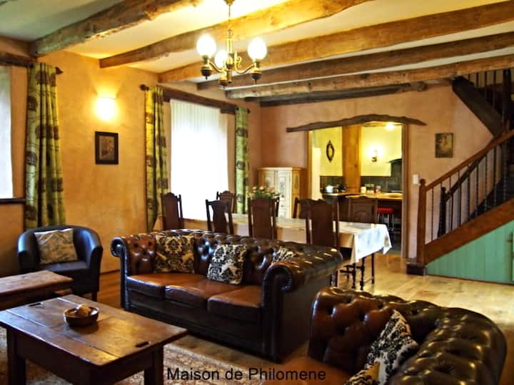 Luxury French Country House. Private Heated Pool.