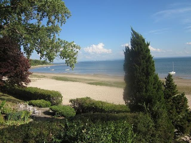 Crescent Beach House on Lake Erie - Fort Erie - House