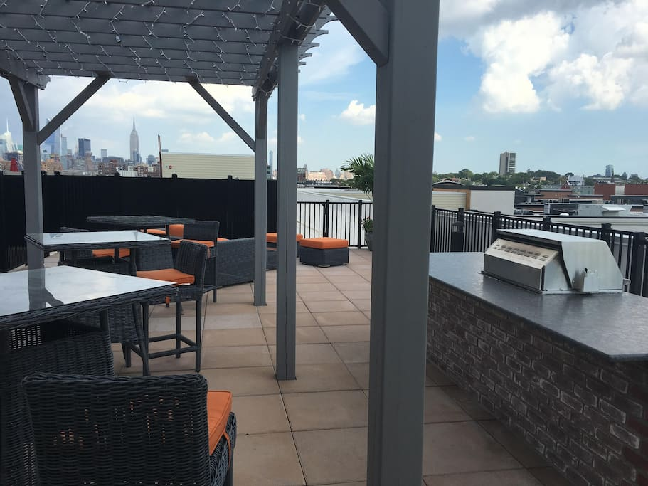 Rooftop deck with outdoor BBQ and NYC views
